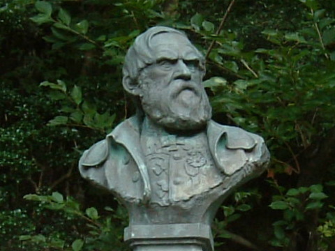 「シーボルト記念館」前にあるシーボルト像