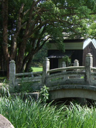 志都岐山神社の前にある万歳橋