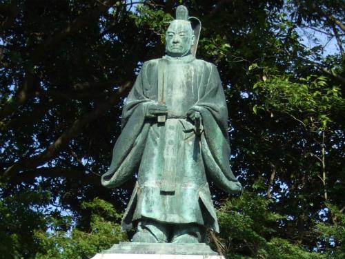 井伊直弼大老銅像