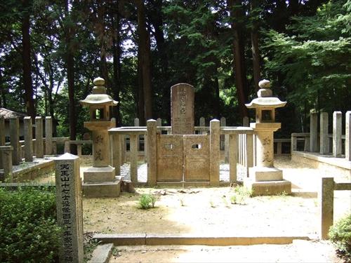 史蹟 禁門の変・十七烈士之墓
