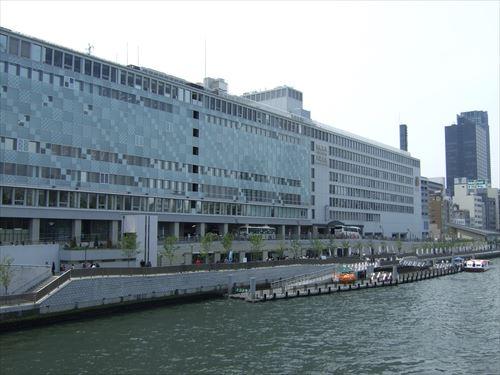 天満橋駅と八軒家浜船着場