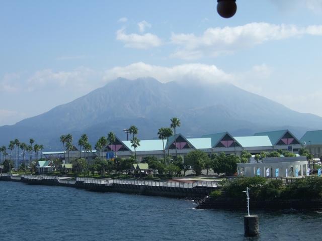フェリー乗り場から見た桜島