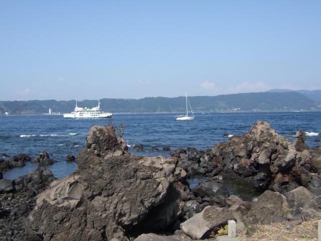 桜島から海を見る