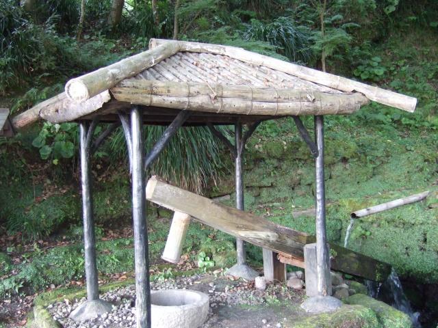 「仙巌園」庭園にある米つき機「迫ン太郎(さこんたろう)」