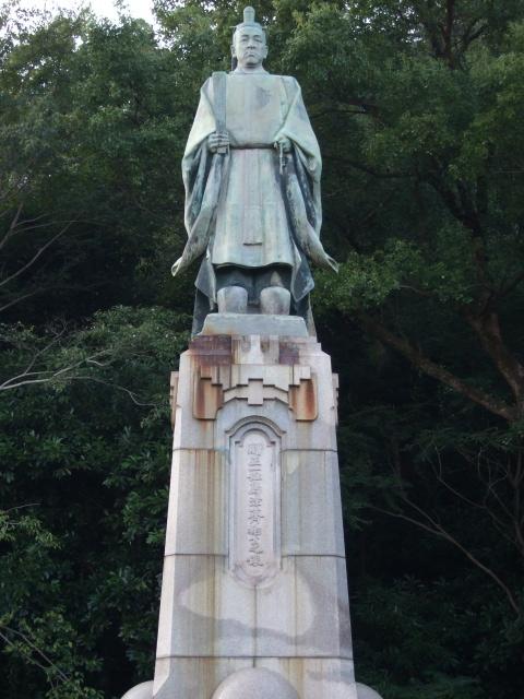 照国神社の島津斉彬像