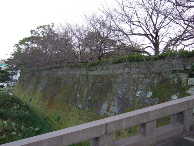 鶴丸城(鹿児島城)堀と城壁