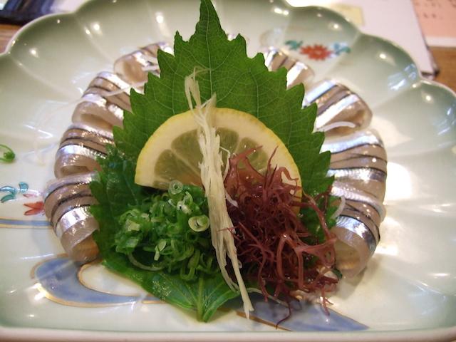 活魚料理「魚将さかなちゃん」キビナゴの刺身